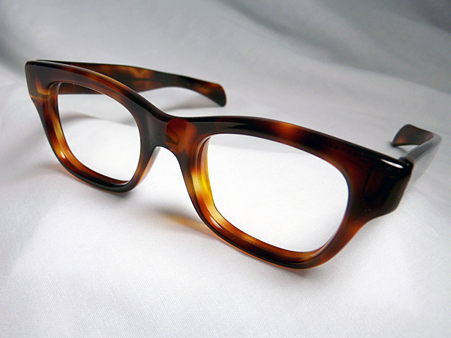 d4a555b66364 Victory Optical Milano Honey Amber (size 46-20) from  http   www.vintageeyeglassesonline.com